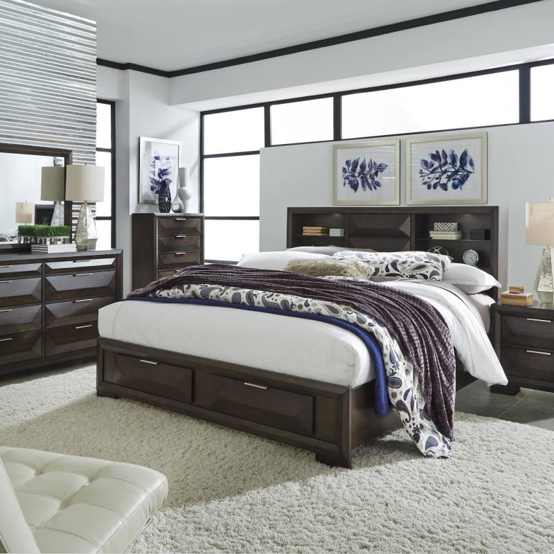 Vestavia Bedroom Set With Chest of Drawers