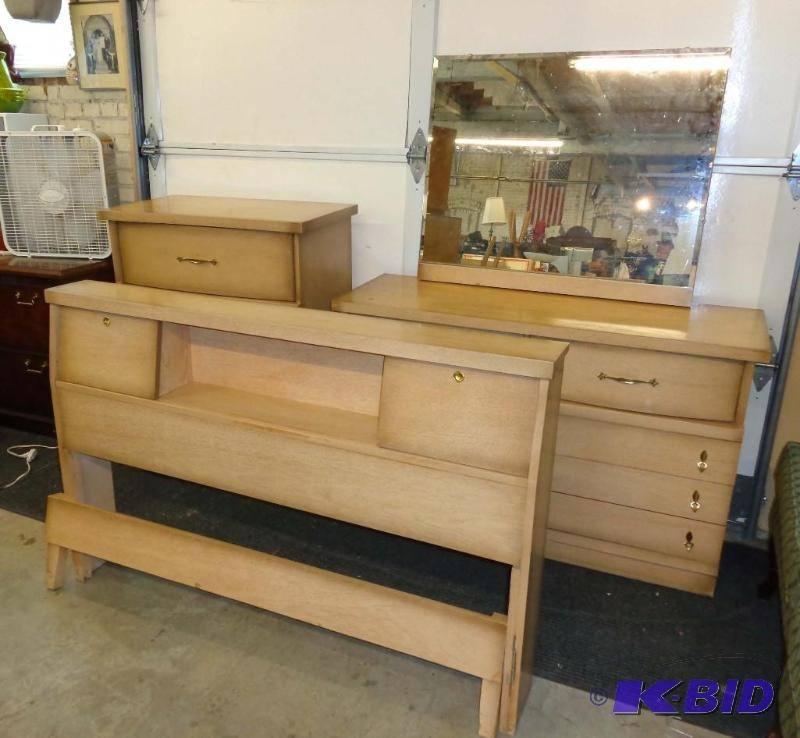 Covetous Kent Coffey Mid Century Modern Perspecta Bedroom Set (U