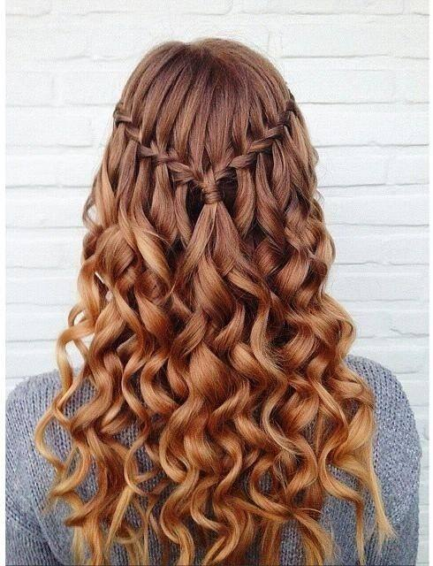 80 + Stunning Hairstyles for Curly Hair That You Will Fall In Love With