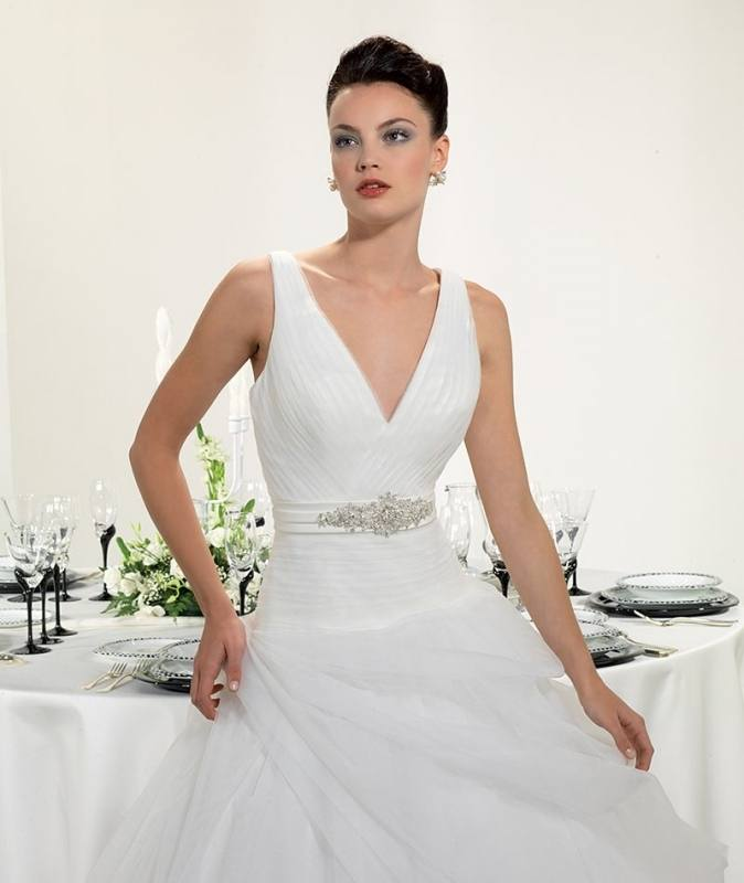 Wedding Gowns For Petite Figures: Wedding Dresses For Large Bust