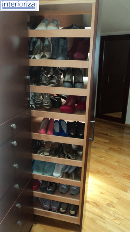 A great way  to organize your closet