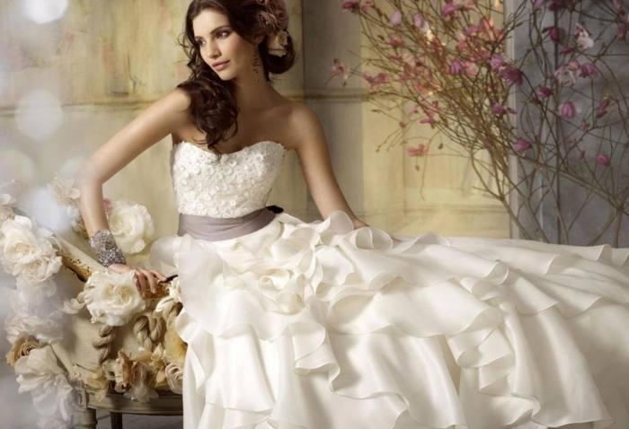Elegant Wedding Dress Red Ball Gown Bridal Dress Vintage Muslim Plus Size Lace Bridal Wedding Dress 2017 Princess Bridal Dress Ball Gown Wedding Dresses
