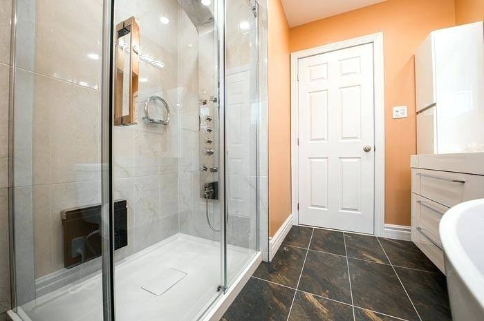 When going about bathroom renovation, it is always a good idea to keep the fingers on the pulse of the latest trends