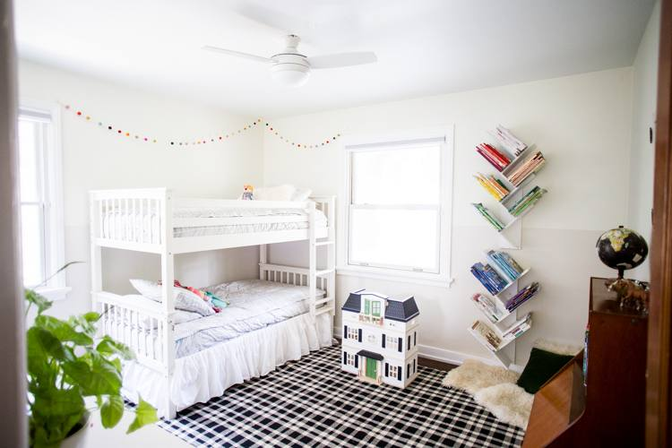 This is a really clever idea for a shared kids room – making one long bed  that easily fits two kids