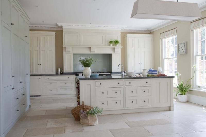 Country Cottage Kitchen Decor White Painted Wooden Kitchen Cabinets Grey  Marble Granite Countertop Cream Kitchen Wall White L Shaped Oak Wood Kitchen