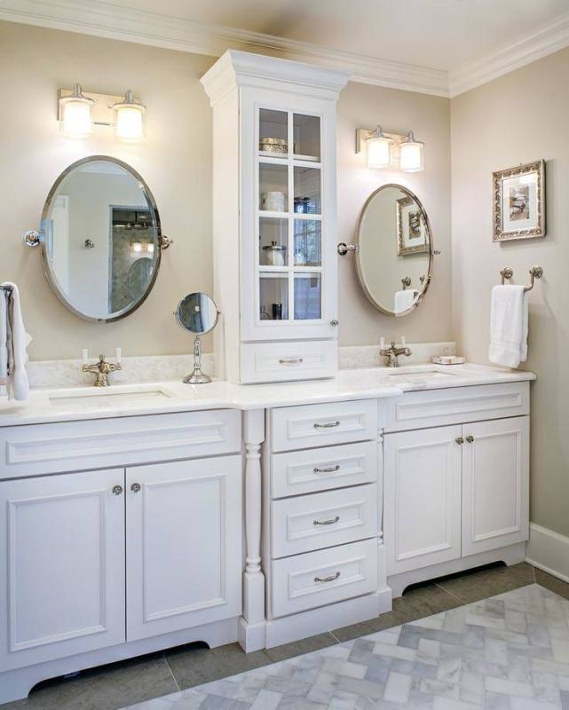 A great use of vertical space, with a tiny footprint creating more storage and organization without losing valuable bathroom real estate