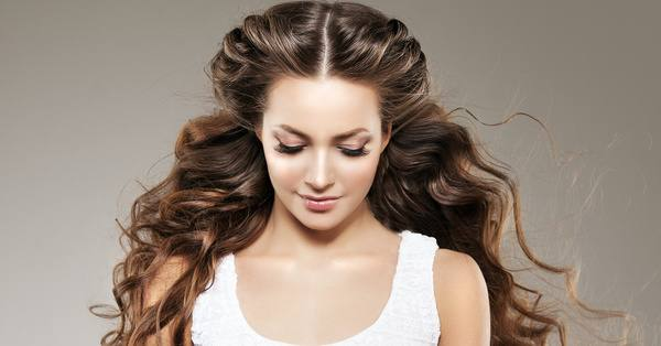 The 5 Best Hairstyles for Wavy Hair