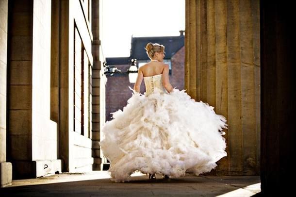 feather wedding dress, feather wedding dress