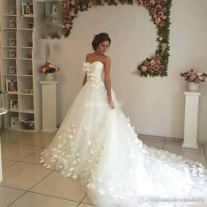 Blush Pink Tulle V Neck Ball Gown Flower Wedding Dresses