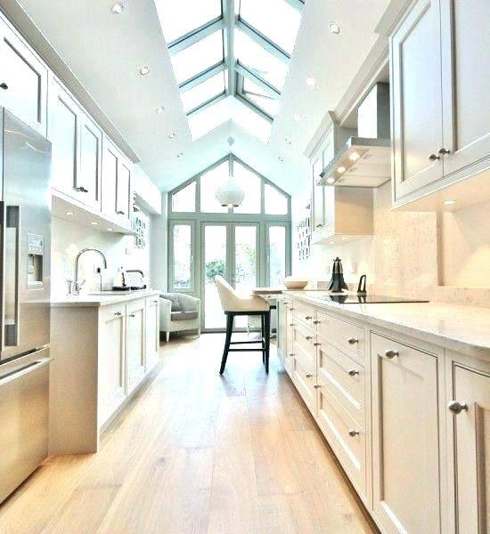 long narrow kitchen design | Galley Kitchen Designs, If I had a long, narrow kitchen like the