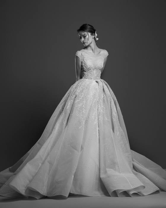 Hot Sale Sheath Wedding Dress 2017 Summer New Casual Garden Sweep Train  Modern Chiffon Applique Long Bridal Gown Custom Made Full Sleeve Top Sequin  Wedding
