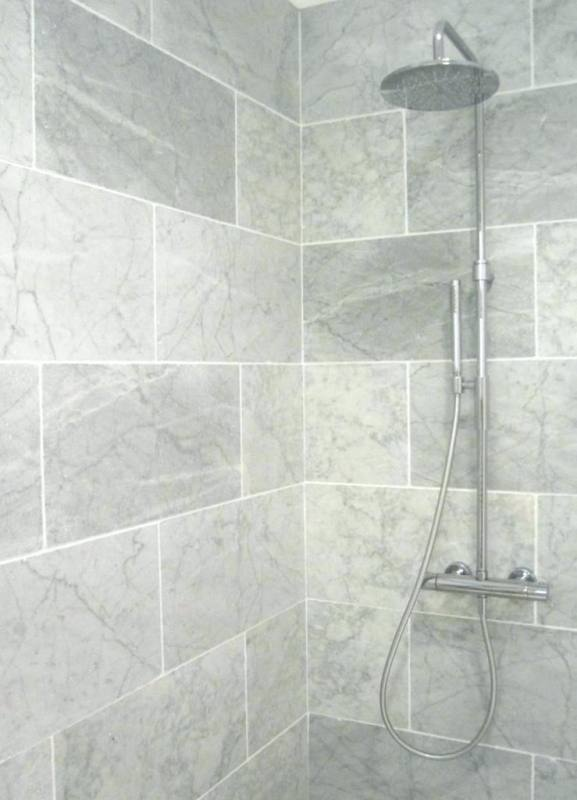 Small Grey Bathroom Design Ideas: Bathroom Modern Cool Black And Grey Minimalist Bathroom Design With Nice Wall Mounted Vanity Small Grey Bathroom Design