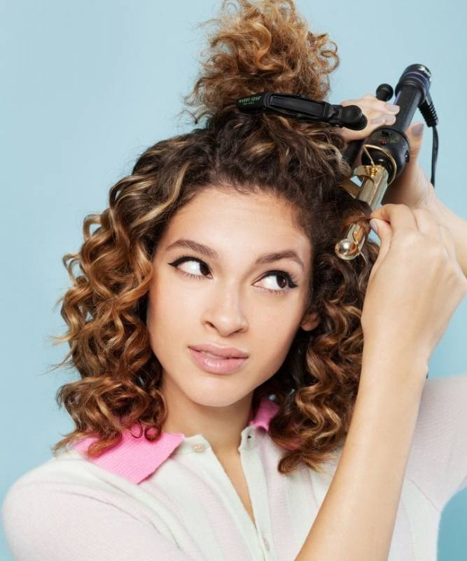 30 Popular Short Curly Hairstyles for Women