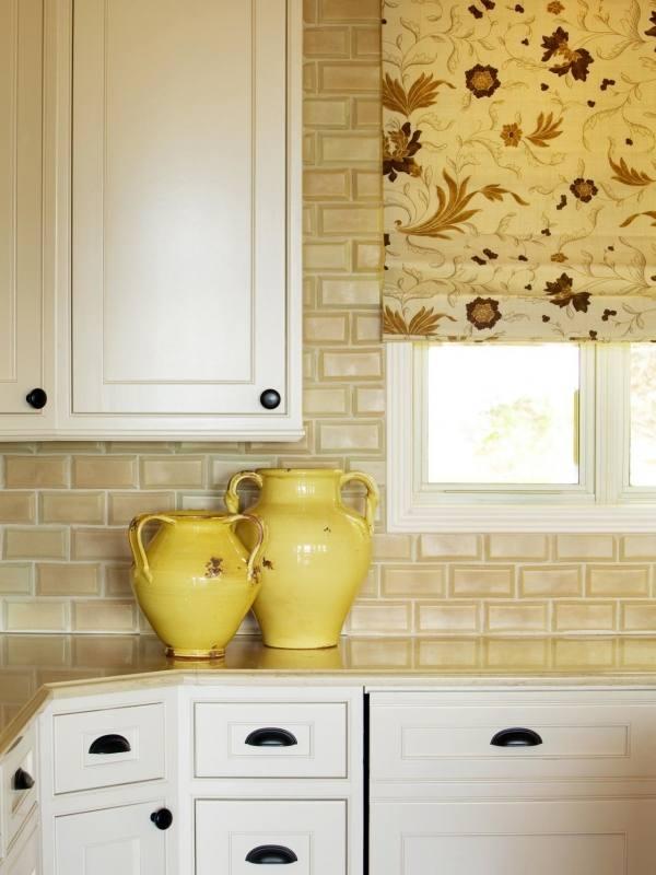 Amazing Small Kitchen Ideas 2018 Yellow Gloss Wood Kitchen Cabinet Grey Metal Gas Range Stove Beige