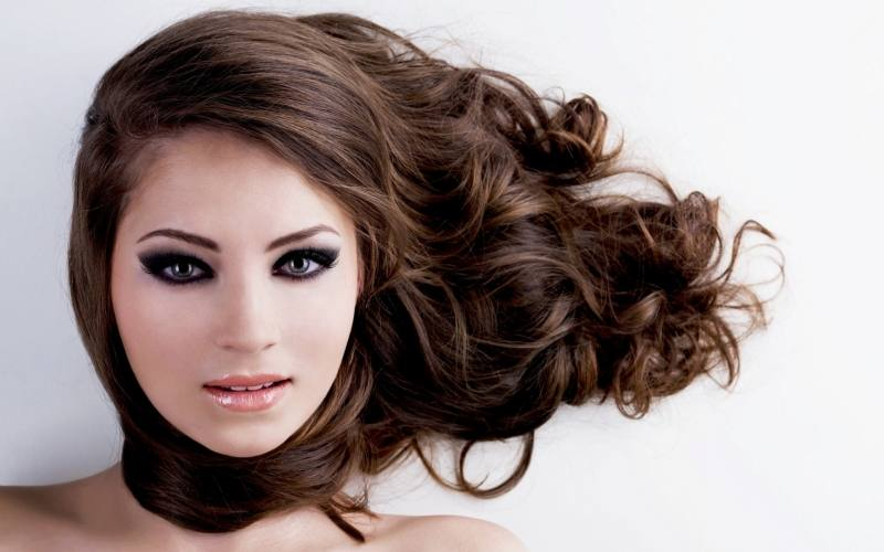 Through all the design trends, you will be able to verify relating to  varied Pakistani Hair styles