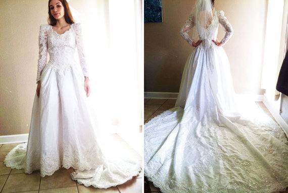 Discount Long Sleeves 2016 Wedding Dresses Sheer Neck With Lace Applique Wedding  Gowns Back Zipper Without Veil Sweep Train Custom Made Bridal Dress
