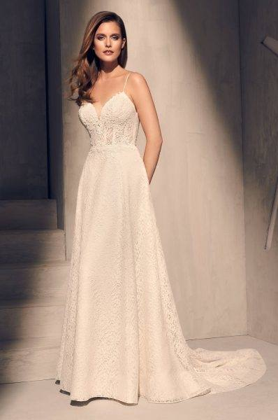Romantic Limor Rosen 2017 Sheath Wedding Dresses Deep V Neck Sheer Straps  Heavy Embellishment Lace Vintage Garden Beach Bridal Gowns Bohemia Princess