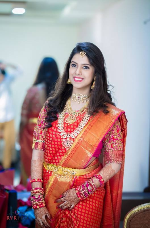 How To Hair Style In Saree