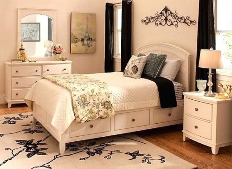 raymour and flanigan bedroom set