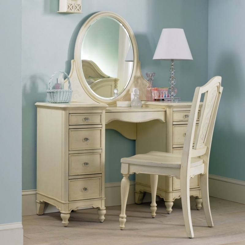 Picture of Diva Vanity Dresser Mirror Set