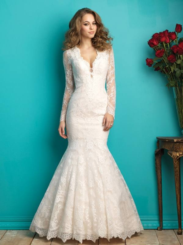It flatters most body types but it most certainly will look flattering for  a bride wanting to enhance her bust