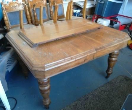 victorian era furniture