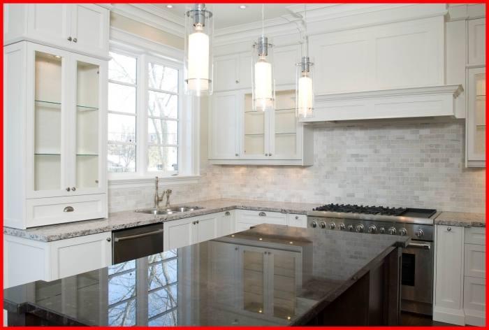 Kitchen backsplash with white subway tile
