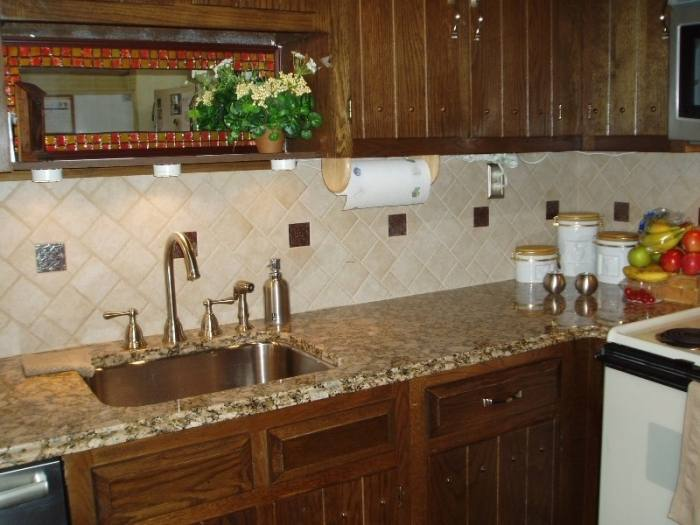 Kitchen Backsplash Designs for Your dining Room | BeautiFauxCreations
