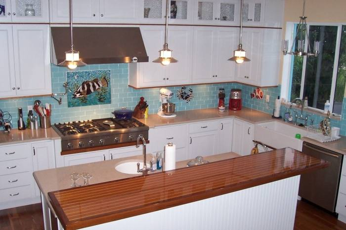 subway+glass+tile+backsplash+design |