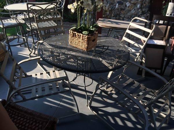42 inch Round garden patio table w 4 teak directors chairs drinks