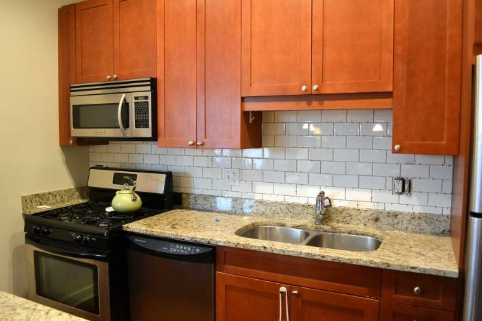 com white subway backsplash with glass  tile
