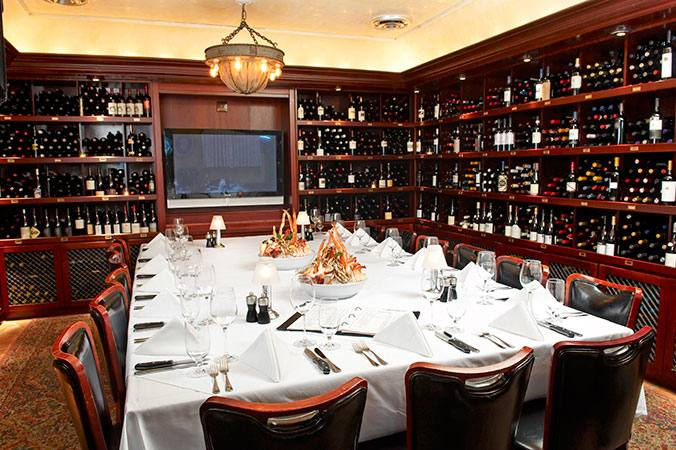 tour of the private dining rooms or to answer any of your questions