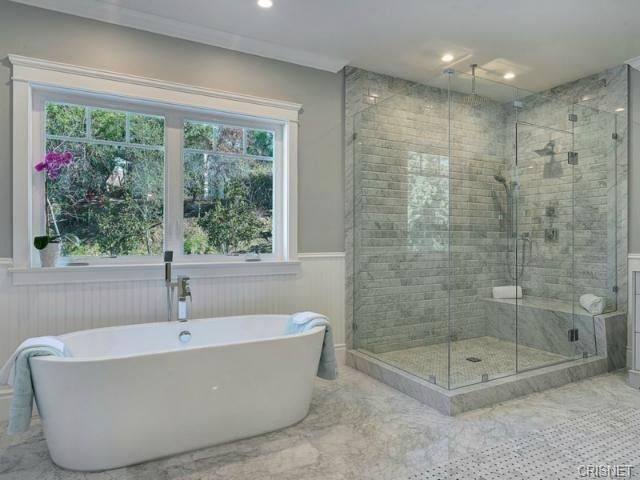 Bathtubs For Small Bathroom Feespiele